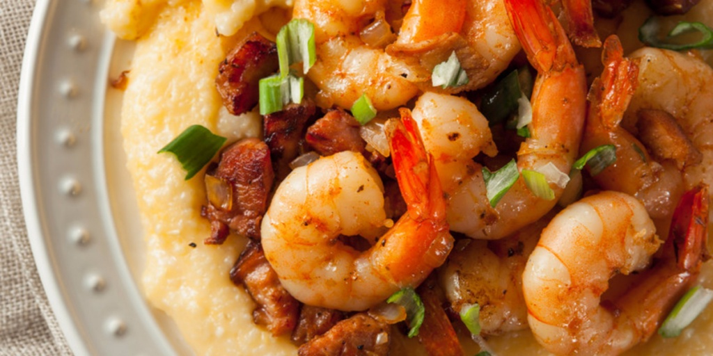 best shrimp grits ever © Can Stock Photo / bhofack2