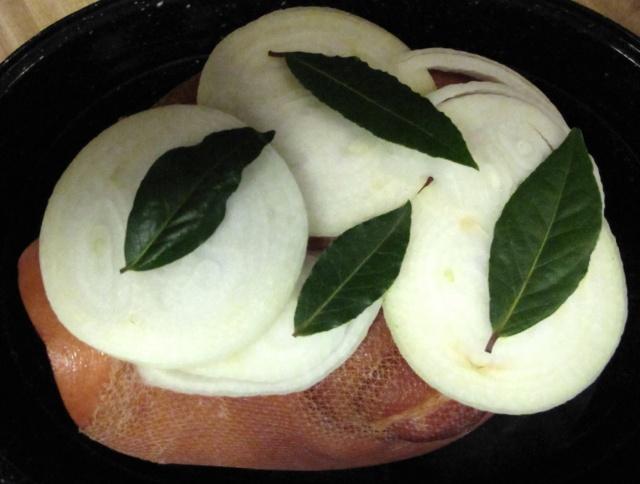 ham-onions-bayleaves