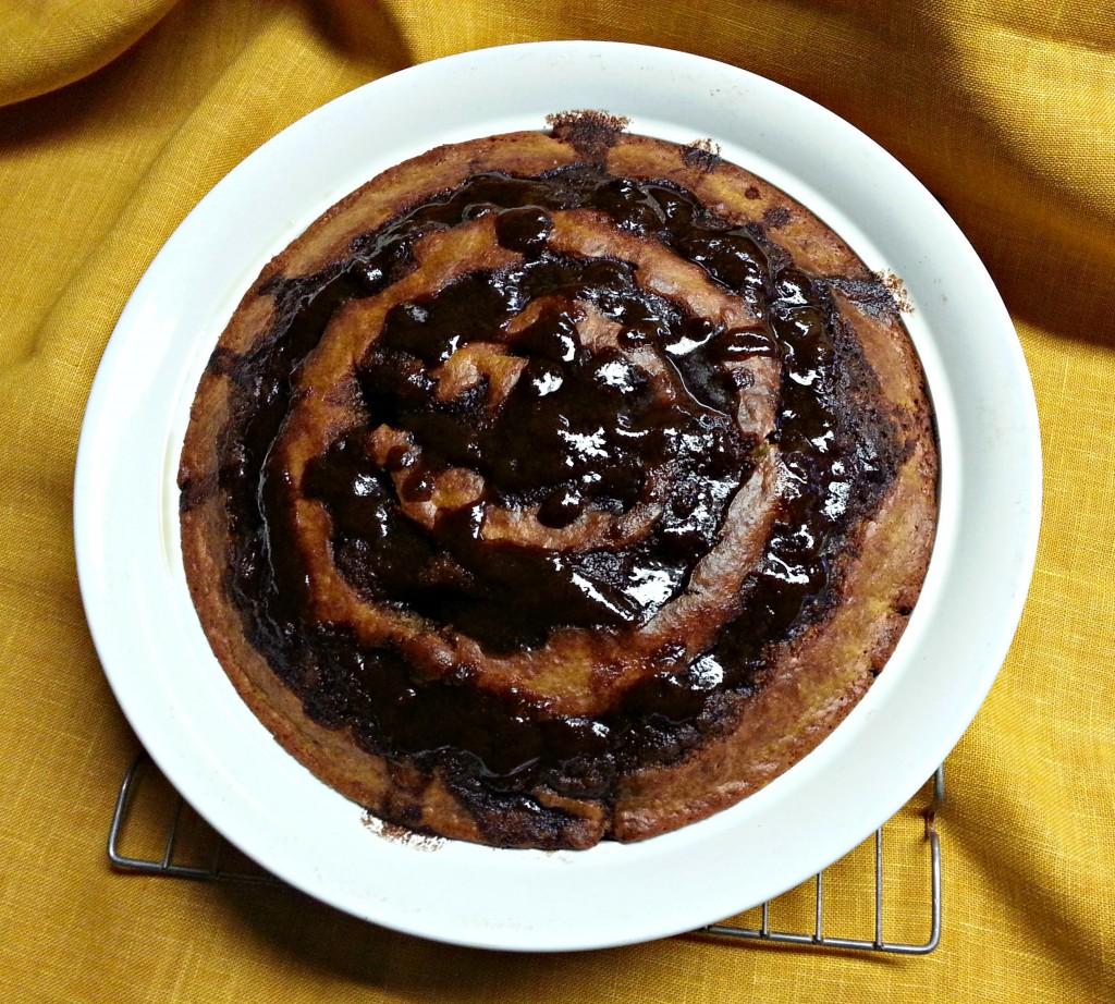 Cinnamon Roll Cake © www.food-crafting.com