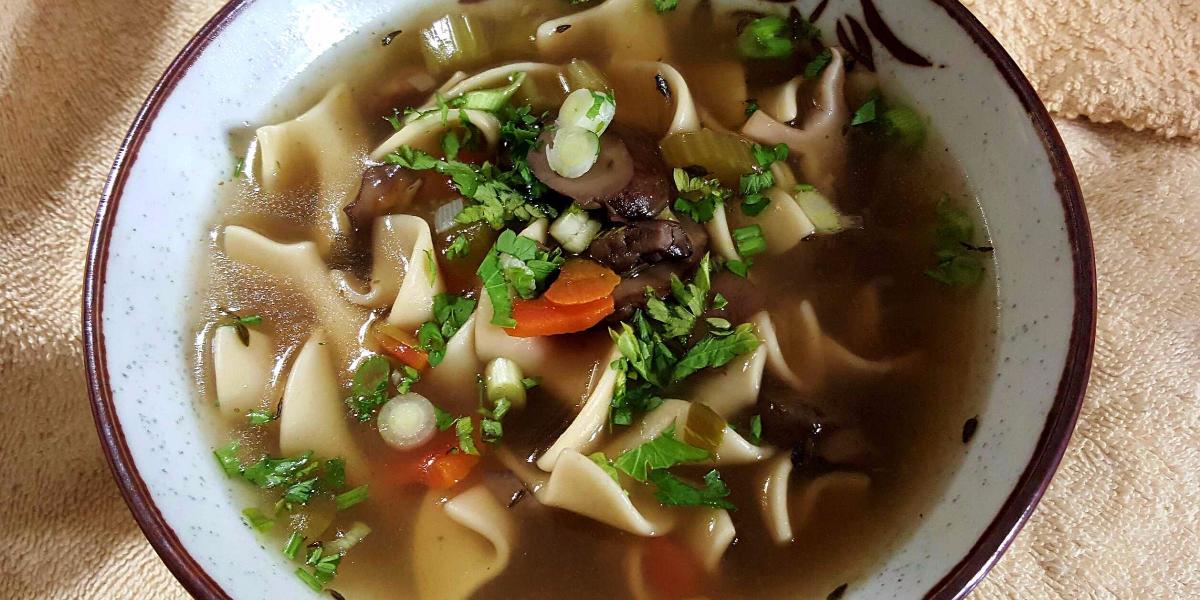 easy-homemade-mushroom-soup1