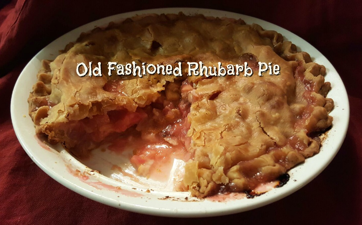 old-fashioned-rhubarb-pie-header