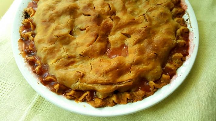 old-fashioned-rhubarb-pie1