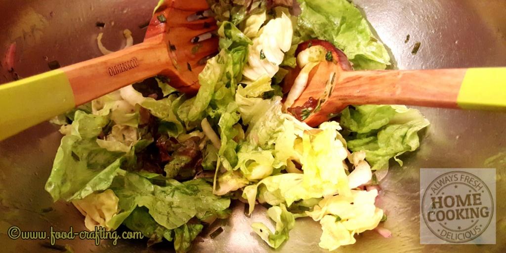 oliviers-salad-servers