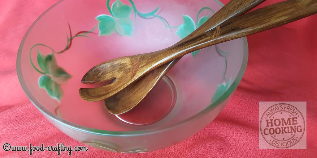 simple-vinaigrette-salad-dressing-bowl