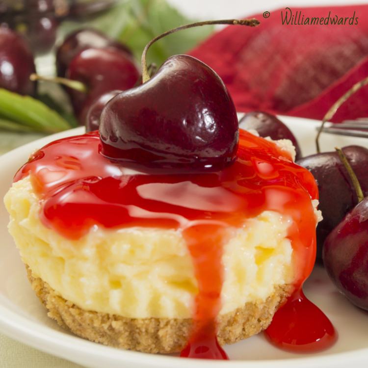 bite-size-mini-cheesecake-cherry
