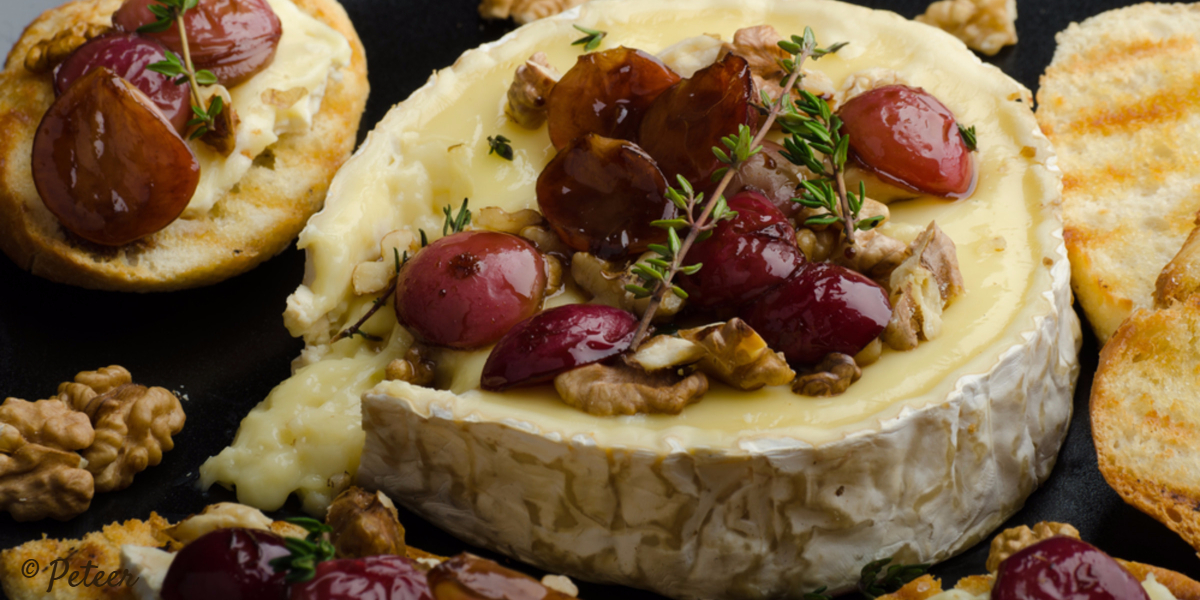 unique-gourmet-gifts-baked-brie